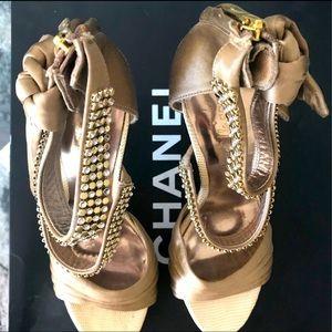 GUESS MARCIANO $287 Rhinestone High Heels size 8
